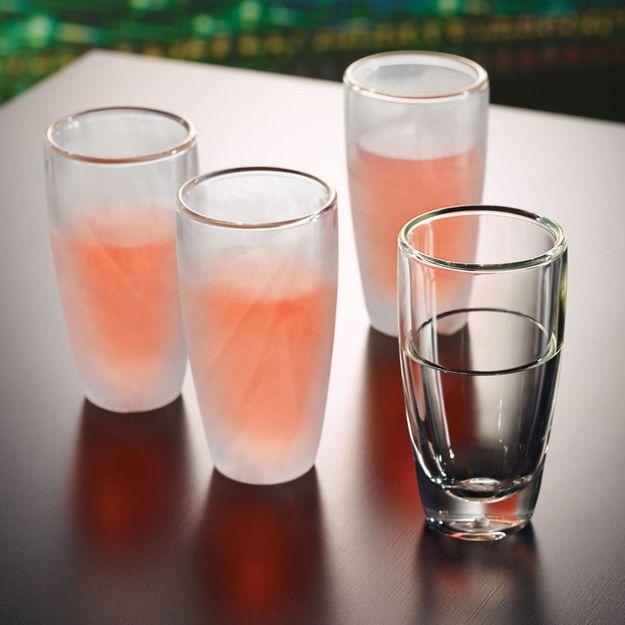 17 objets complètement malades que tout bon alcoolique devrait avoir chez soi