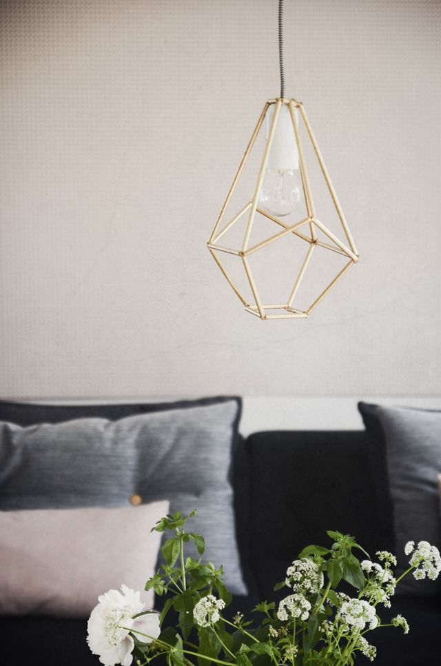 Make this Diamond lamp out of straws
