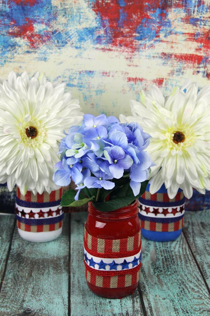 Pretty patriotic red white and blue diy mason jar vases