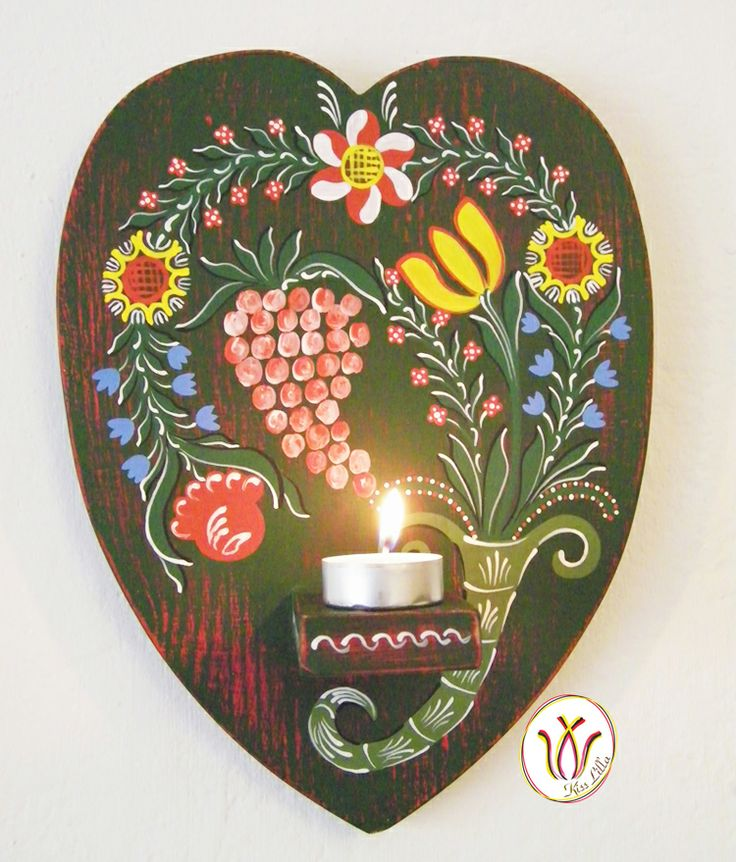 Wooden hand-painted candle-holder. Transylvanian pattern from the 18-19th century.