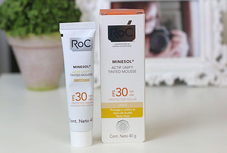 Leia a resenha completa do protetor solar facial Minesol Tinted Mousse da ROC e veja como ele se comporta na pele oleosa.