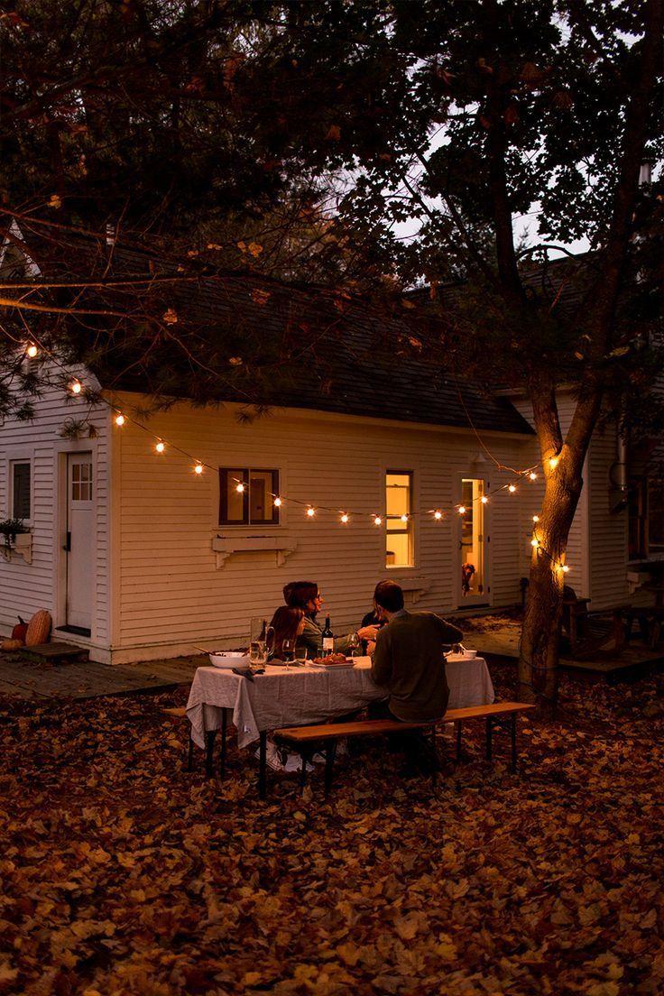 disfrute de una simple reunión de otoño con amigos y familiares antes del clima al aire libre …