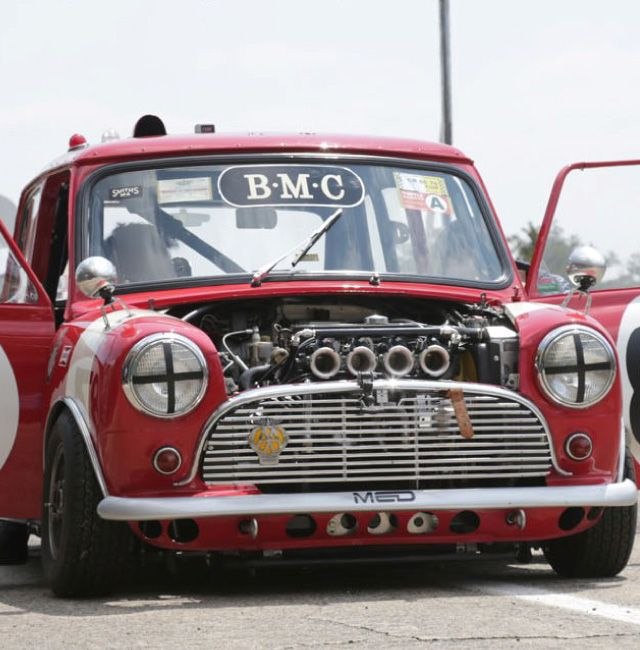 SERVICE 英国車・ミニ専門店 タートルトレーディング TURTLE TRADING LTD