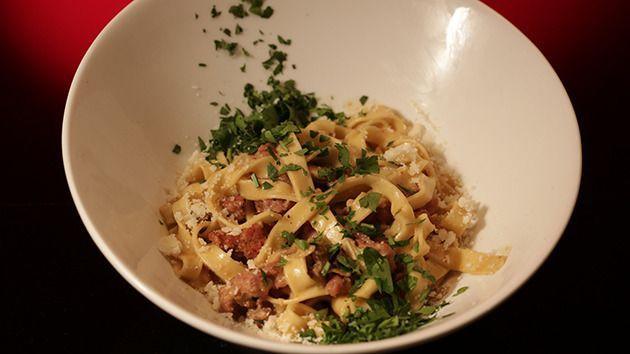 Fettuccine con Salsiccia & Funghi Porcini