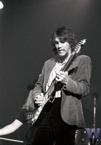 Truly a legend. RIP Steve Gaines #lynyrdskynyrd #southernrock   Skynlyrd.com