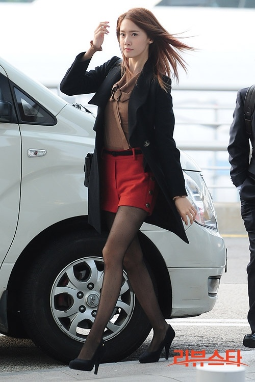 Yoona ; cool airport fashion