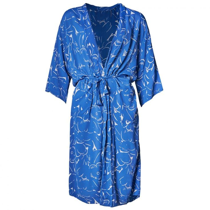 nué notes - Sandy Fleur Robe Nau Blue. February 2016