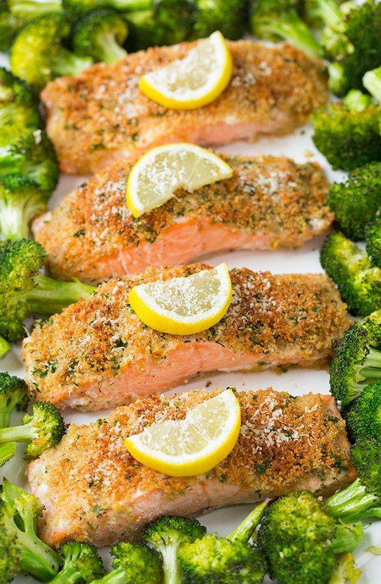 um jantar que não suja nenhum tacho para começar bem a sua semana: lombos de salmão com crosta de parmesão e brócolos - casal mistério