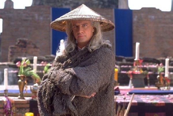 Christopher Lambert as Lord Raiden in Mortal Kombat (1995).