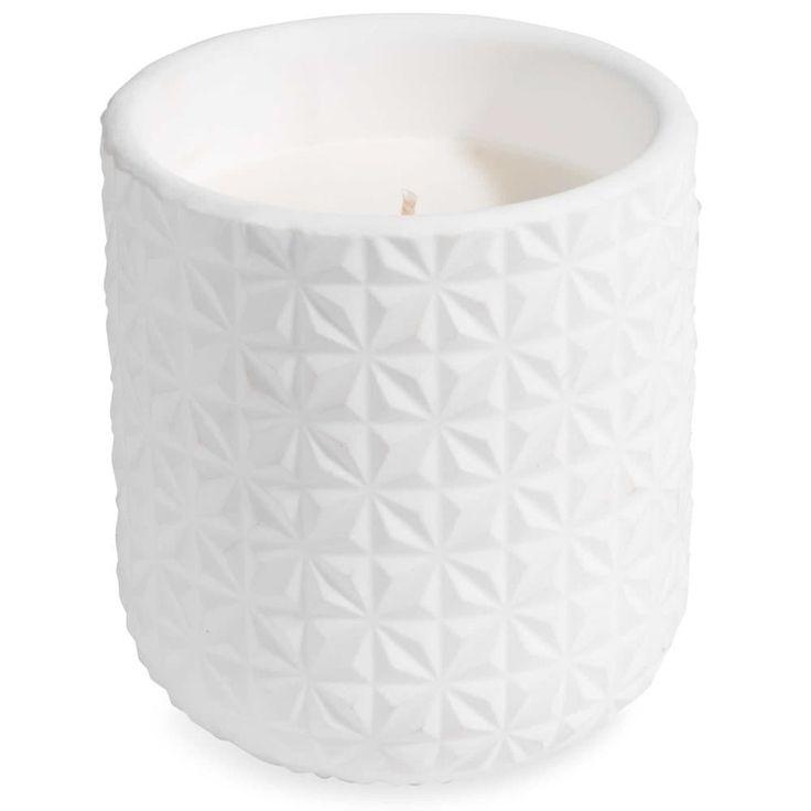 9,99 € |Bougie blanche H 10 cm FACETTES Cette bougie apportera une touche de douceur à votre intérieur