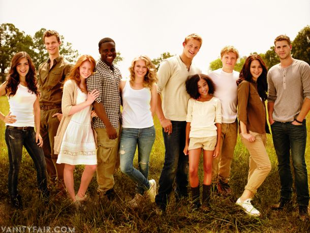 Hunger games cast (From left: Clove, Marvel, Foxface, Thresh, Glimmer, Cato, Rue, Peeta, Katniss, Gale) best freskin movie ever