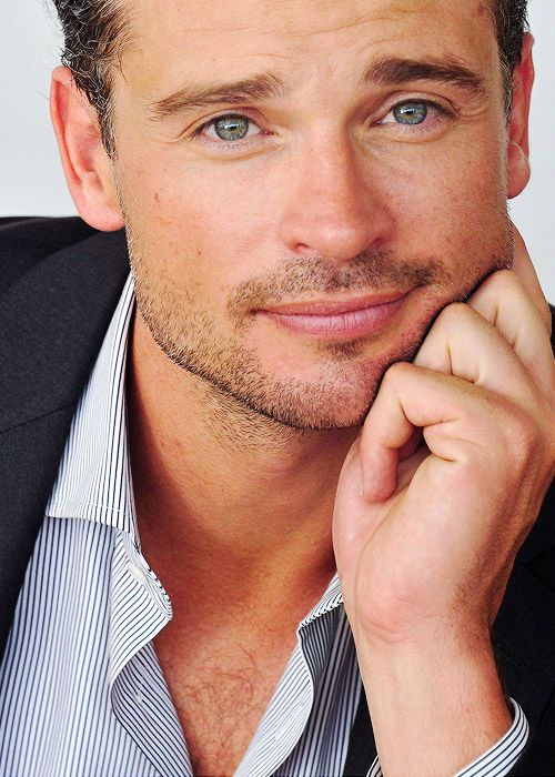 Tom Welling- i had the biggest crush on him when Smallville was on tv. He still looks good  ---yes he does <3