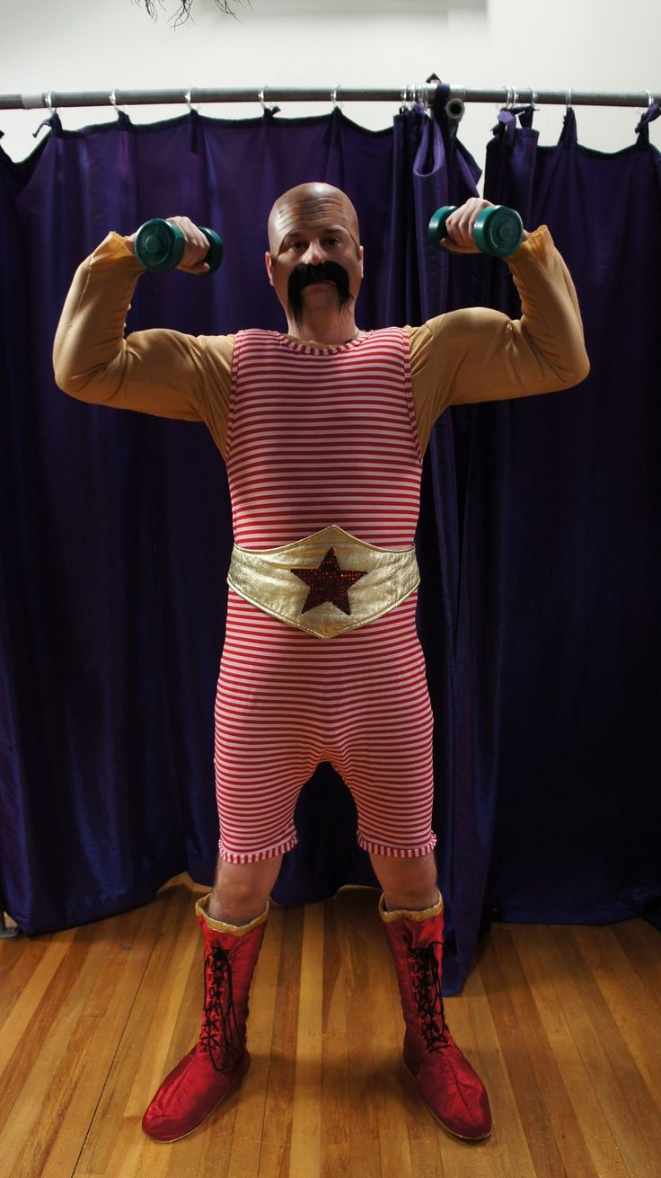 Love this costume. Doesn't need the muscles necessarily but it's a good mix of not overly fitted or revealing.