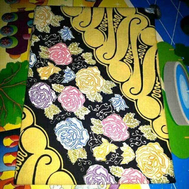 Saya menjual Kain Batik Cap Parang Bunga seharga Rp130.000. Dapatkan produk ini hanya di Shopee! https://shopee.co.id/fidabless/51228654 #ShopeeID