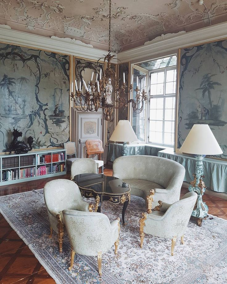 As much as I am loving the Scandinavian minimalistic interior design I can say the same about my love for the rococo style of a palace that exudes art & history. I think what's important is to have your eyes open to see and appreciate the beauty in everything around you @schlossleopoldskron