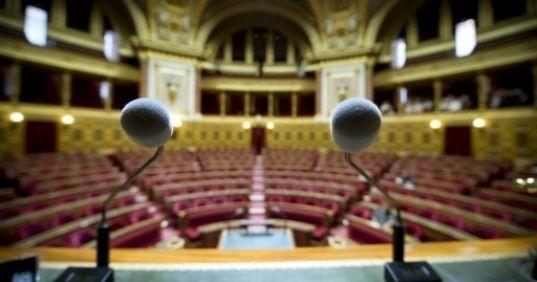 Des sénateurs PS veulent inclure le droit de vote des étrangers dans la révision constitutionnelle