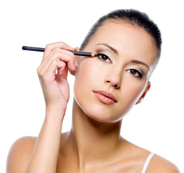 Makeup is now a part of the beauty. Makeup style and products also change with weather in fall season you have to take help with our Makeup tips for autumn.