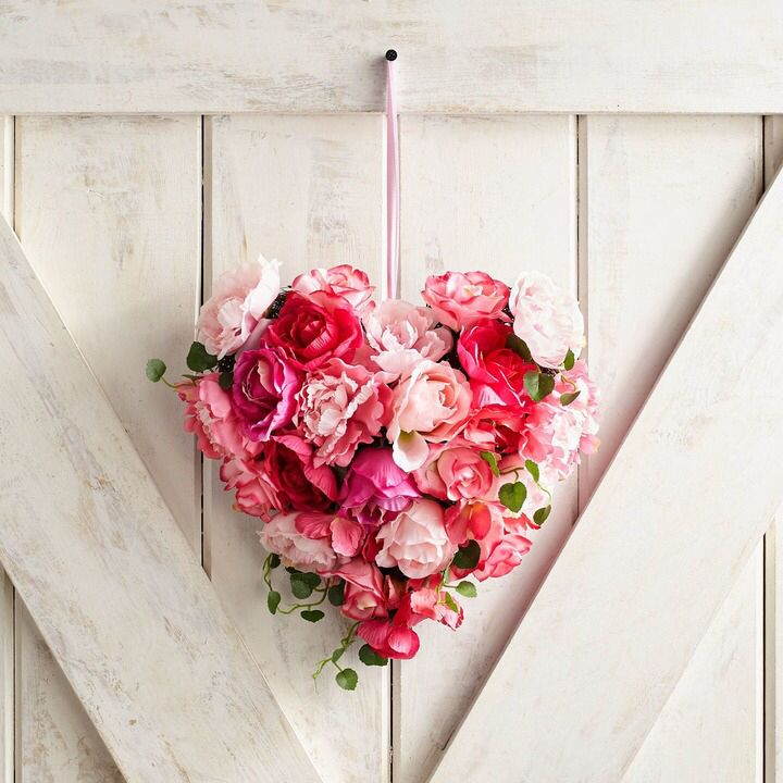 173 best VALENTINES DAY images on Pinterest | Garlands, Crowns and ...