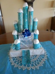Elsa toilet paper roll castle craft  Made with recycled materials, we used lots!! of toilet paper rolls in Elsa's Frozen castle. More plays-of-the-day at http://123kindergarten.com