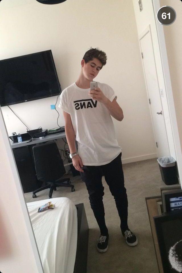 Dat vans shirt lol