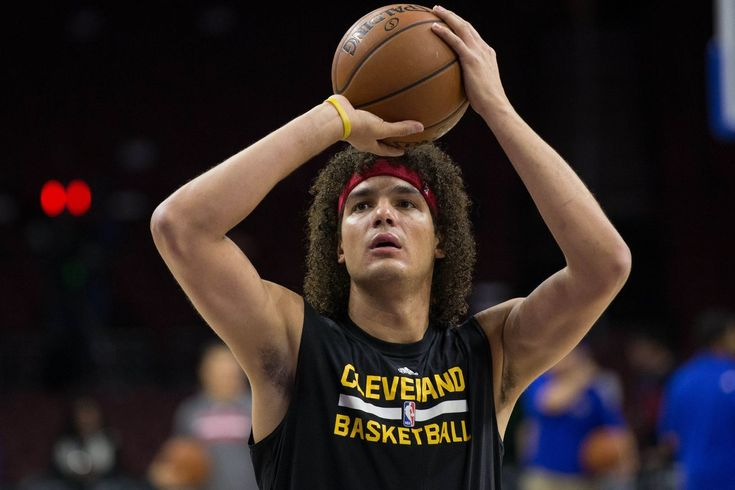 NBA Recap: Warriors ready for Anderson Varejao & quiet trade deadline passes - https://movietvtechgeeks.com/nba-recap-warriors-ready-for-anderson-varejao-quiet-trade-deadline-passes/-The NBA wasn't all that busy over the last week as the All-Star break lagged on. However, the trade deadline did come and go without many major changes. Furthermore, nothing has really changed much in the divisional races.