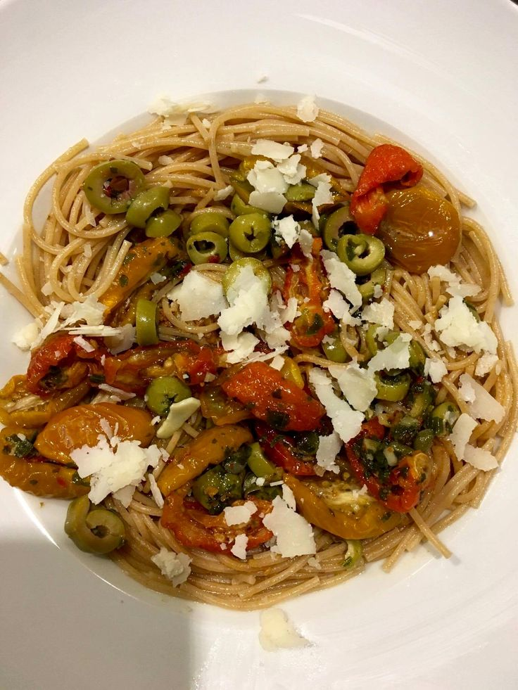 Volkoren pasta met antipasta topping Colruyt 😋👍 Fast and easy