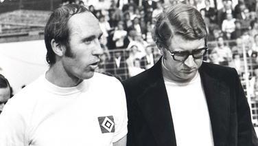 Im Juli 1970 übernimmt der erst 30-jährigeKlaus-Dieter Ochs(r.) das Zepter beim HSV. Unter seiner Führung schaffen Talente wie Manfred Kaltz und Rudi Kargus den Durchbruch. Nach drei Jahren wechselt Ochs am 1. Juli 1973 zum VfL Osnabrück ; ... nur der HSV !!