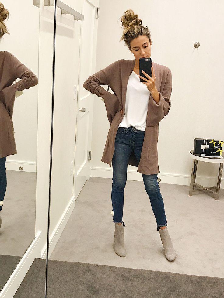 Cute flair sleeved brown cardigan!