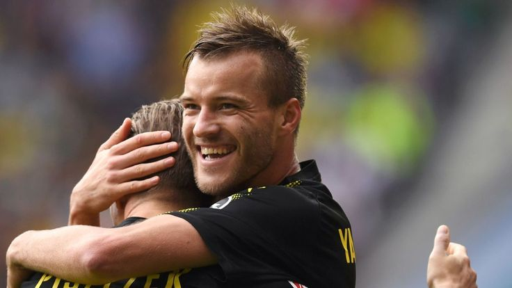 Andriy Yarmolenko, Shinji Kagawa lead Dortmund to a gritty win at Augsburg