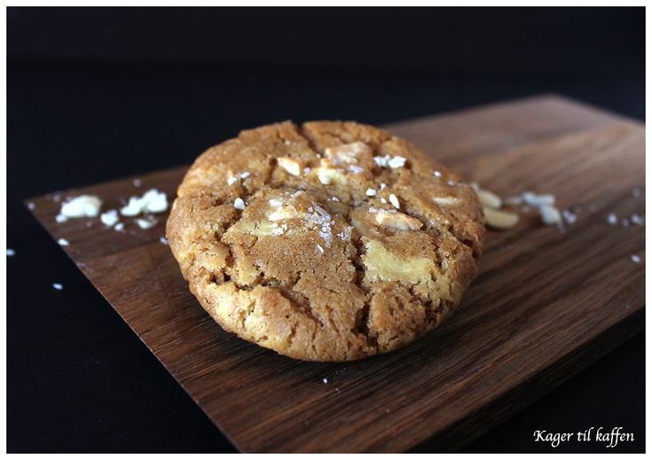 Marcipan & hvid chokolade cookies