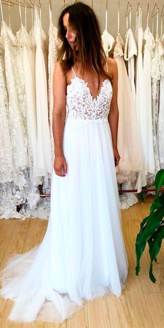 Charming Spaghetti Straps White Appliques Beach Wedding Dress