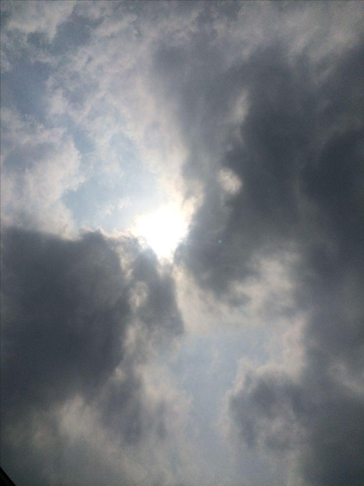 2017년 5월 13일의 하늘 #sky #cloud #sun