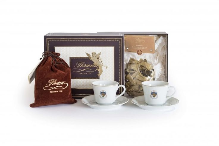 Dolce Pausa Florian Simple elegance and high quality for a very special thought.  The hamper includes:  - 2 Florian tea porcelain cups and saucers  - 1 Package of pure cocoa in a velvet sachet 200 gr  - 1 Amaretto dragées 100 gr