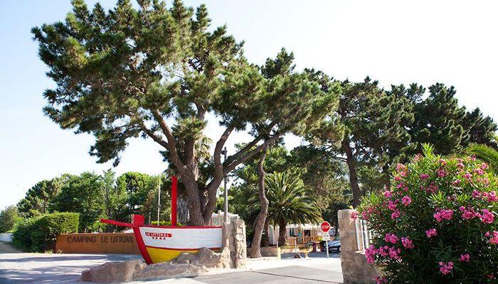 L'entrée du Camping Club Le Littoral à Argelès-sur-Mer http://bougerenfamille.com/camping-argeles-en-famille/
