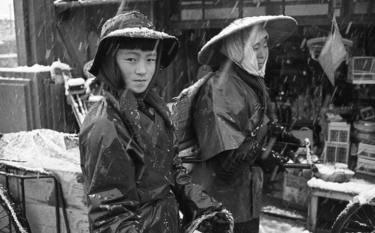 雨合羽の少女2