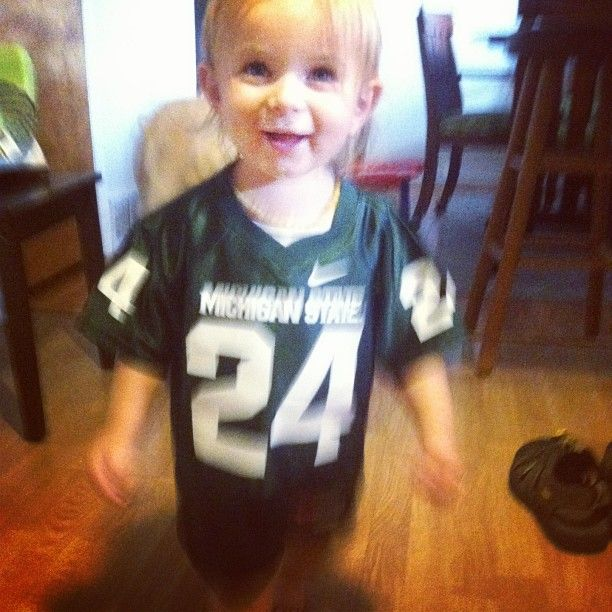 Please excuse the blur, but she wouldn't stop moving. I can only imagine it is out of pure excitement for the #msu game tomorrow! #proudmsualum #times2 #gogreen #msuspartans #msubaby #borntobeaspartan #Padgram