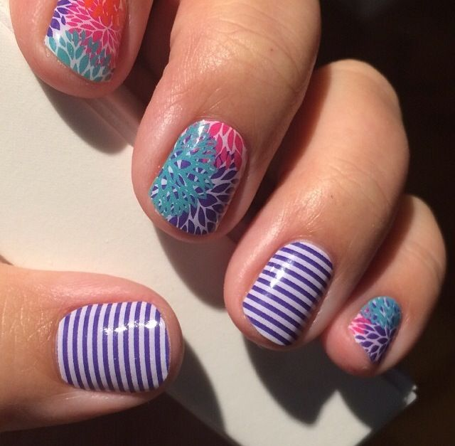 Love these together! Punchy Puff and Navy Skinny nail wraps by Jamberry. #jamberry #manicure