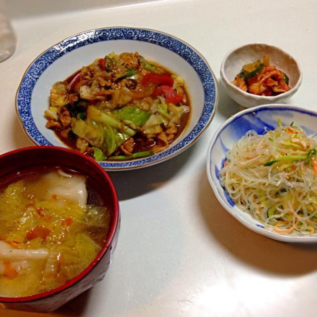 見た目悪〜… - 2件のもぐもぐ - 回鍋肉 春雨サラダ 餃子スープ by tomporon