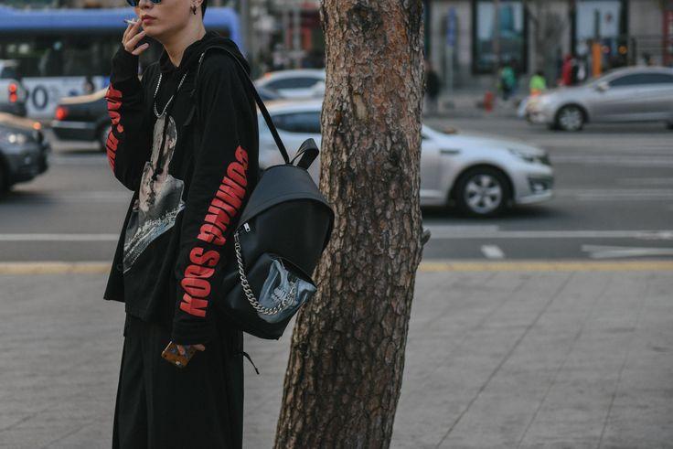 Seoul Fashion Week Fall 2016 Street Style, Day 6 Photos | W Magazine