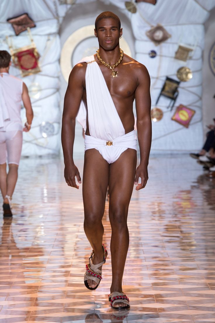 Fashion Show 2015 Summer Men VersaceMenswear Summer