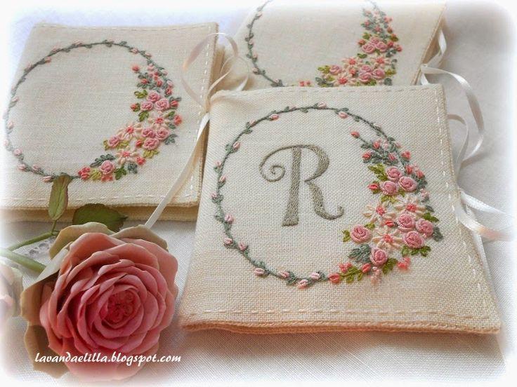 Lavanda e Lillà: Porta Aghi - always such beautiful embroidery!