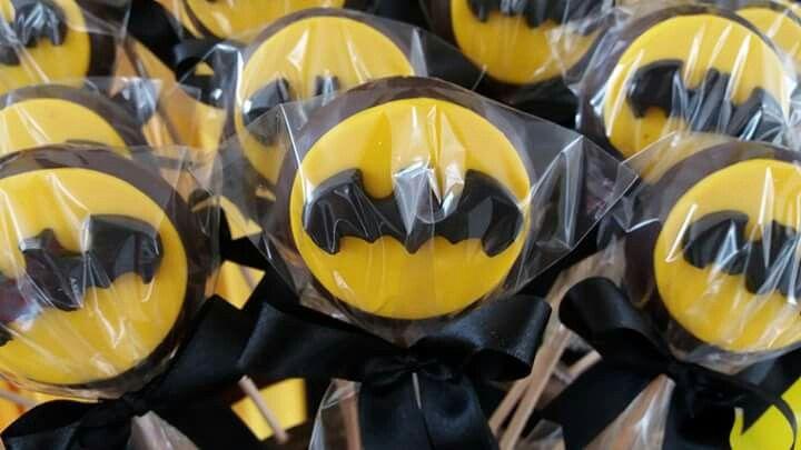 Pirulitos de chocolate com tema Batman