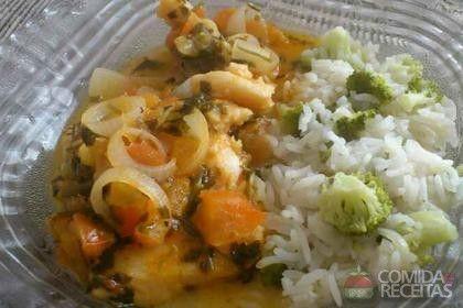 Receita de Filés de peixe com molho de tomate e pimentão em receitas de peixes, veja essa e outras receitas aqui!