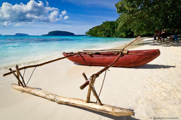 Champagne Bay - Espiritu Santo, Vanuatu | Champagne Bay, Vanuatu by Bobby Krstanoski, via 500px