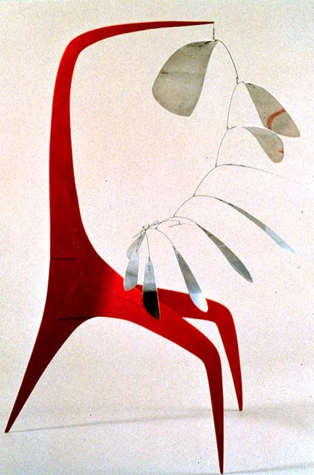 "sculpture US : Alexander Calder, 1941, ""Aluminum Leaves, Red Post"", métal peint, rouge, 1940s"