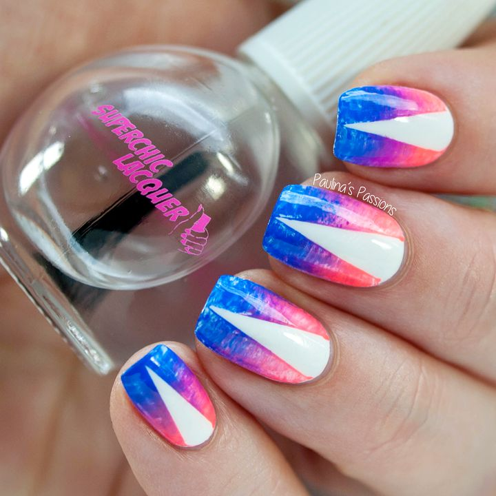 Dry brush nail art with a fan brush