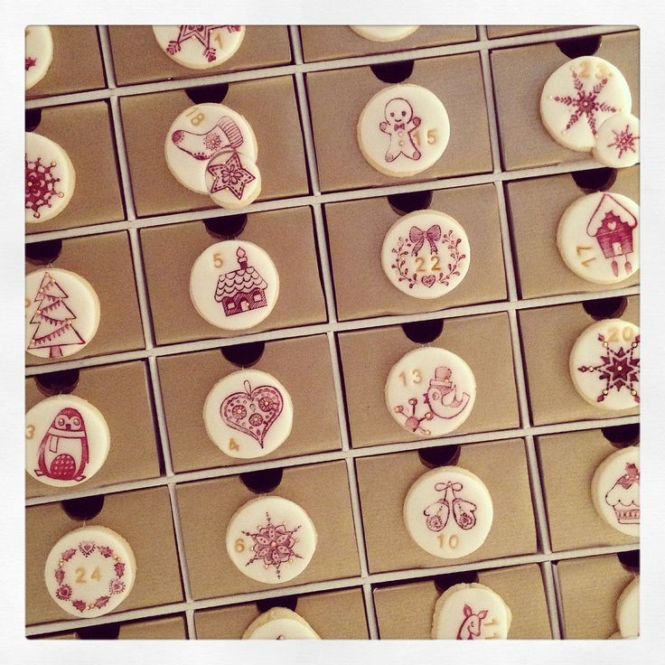 Cookie advent calendar by Hana Rawlings. A cute little project for all little fans of creative cuisine, baking, craft and cookie decorating :-)