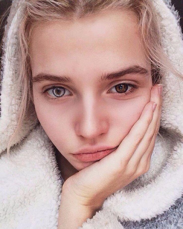 Картинки девочек с разноцветными глазами