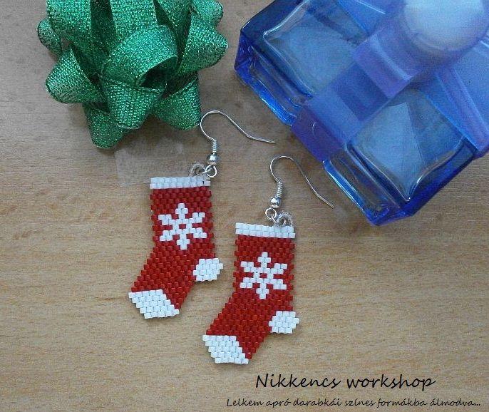 Piros karácsonyi zokni fülbevaló