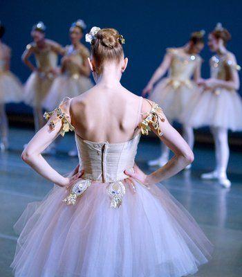 pnb corps de ballet dancer leanne duge backstage at mccaw hall | angela sterling